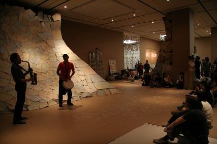 「日比野克彦 HIGO BY HIBINO」展(2008年)最終日会場風景